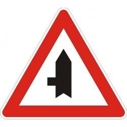 Пътен знак номер А28
